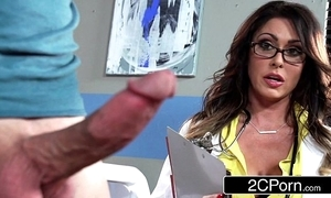 Pompously busty water down jessica jaymes milking her patient