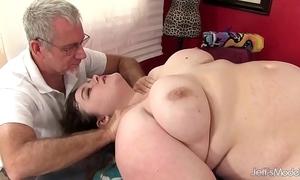 Hot fatty sapphire rose receives a sex massage