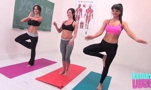 Kendra lasciviousness teaches yoga