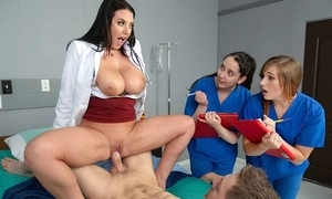 Black-haired water down almost big natural breast fucks her casing