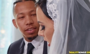 Cheeky cully rubs the brush clitoris by means of interracial anal